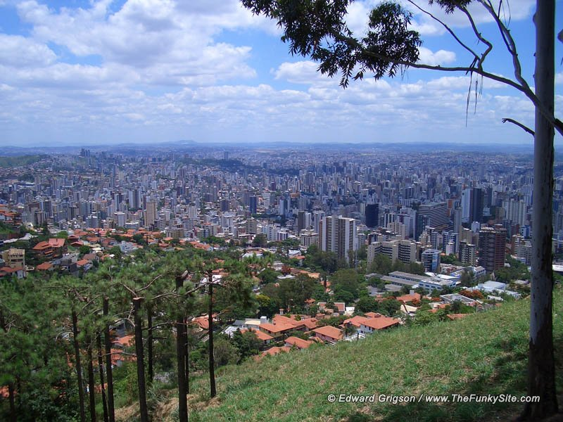 Looking down on Belo Horizonte